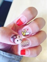 monkey nail art blowing