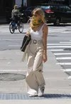 Mango-Sienna Miller-Pants-Top-Gucci-Sneakers