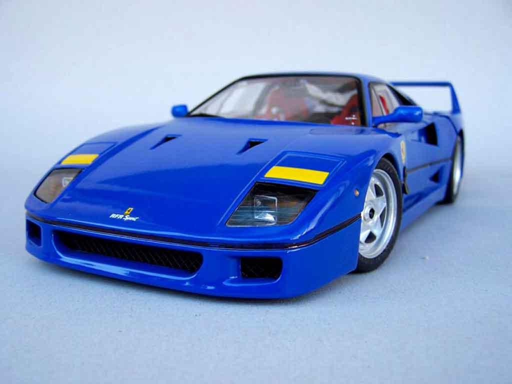Ferrari F40 miniature stradale bleue rfr sport Burago 118  Voitureminiaturecom