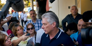 Cuban President Visits Town near US Military Base