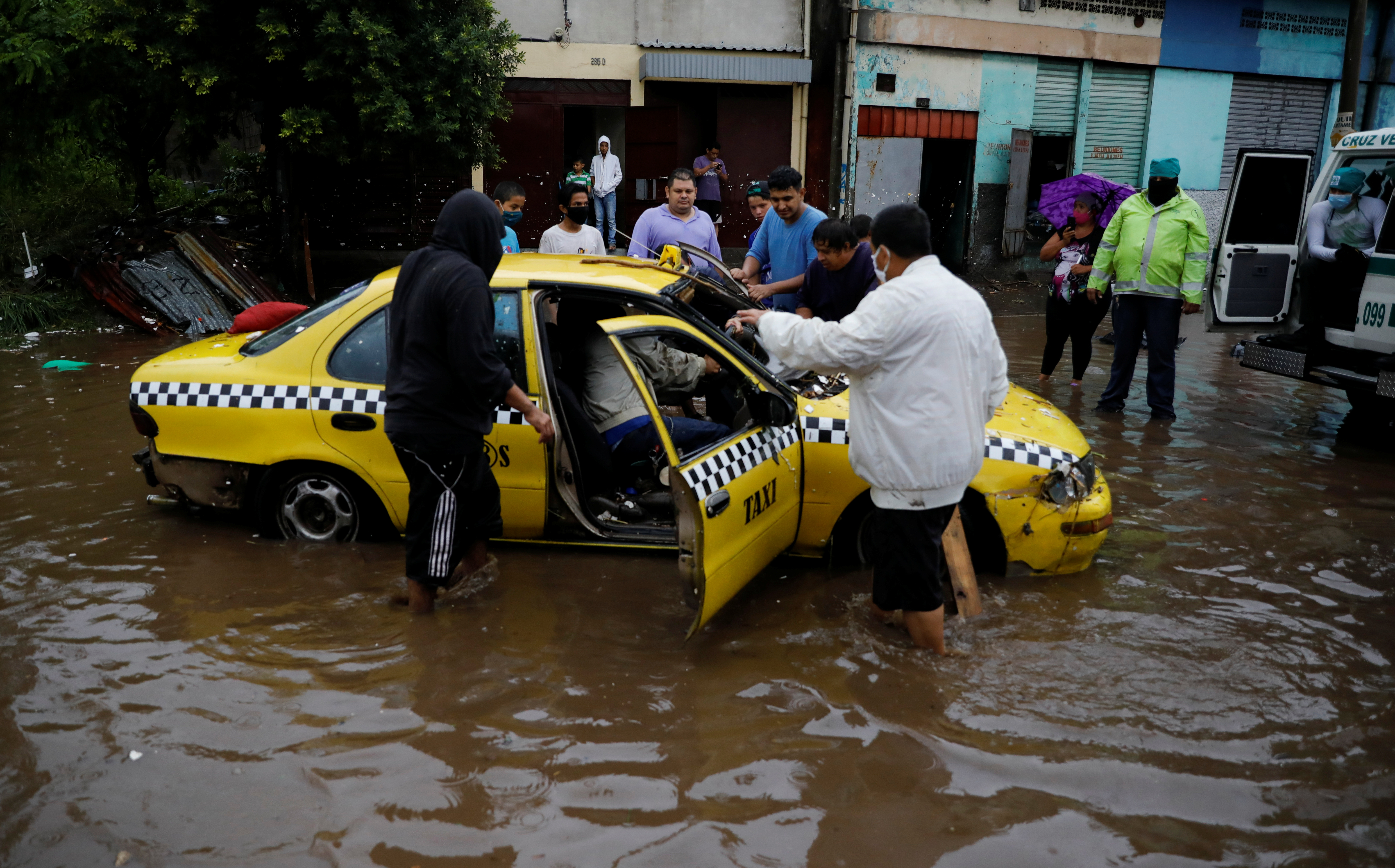 At Least Seven Deaths Recorded Due to Floods in El Salvador