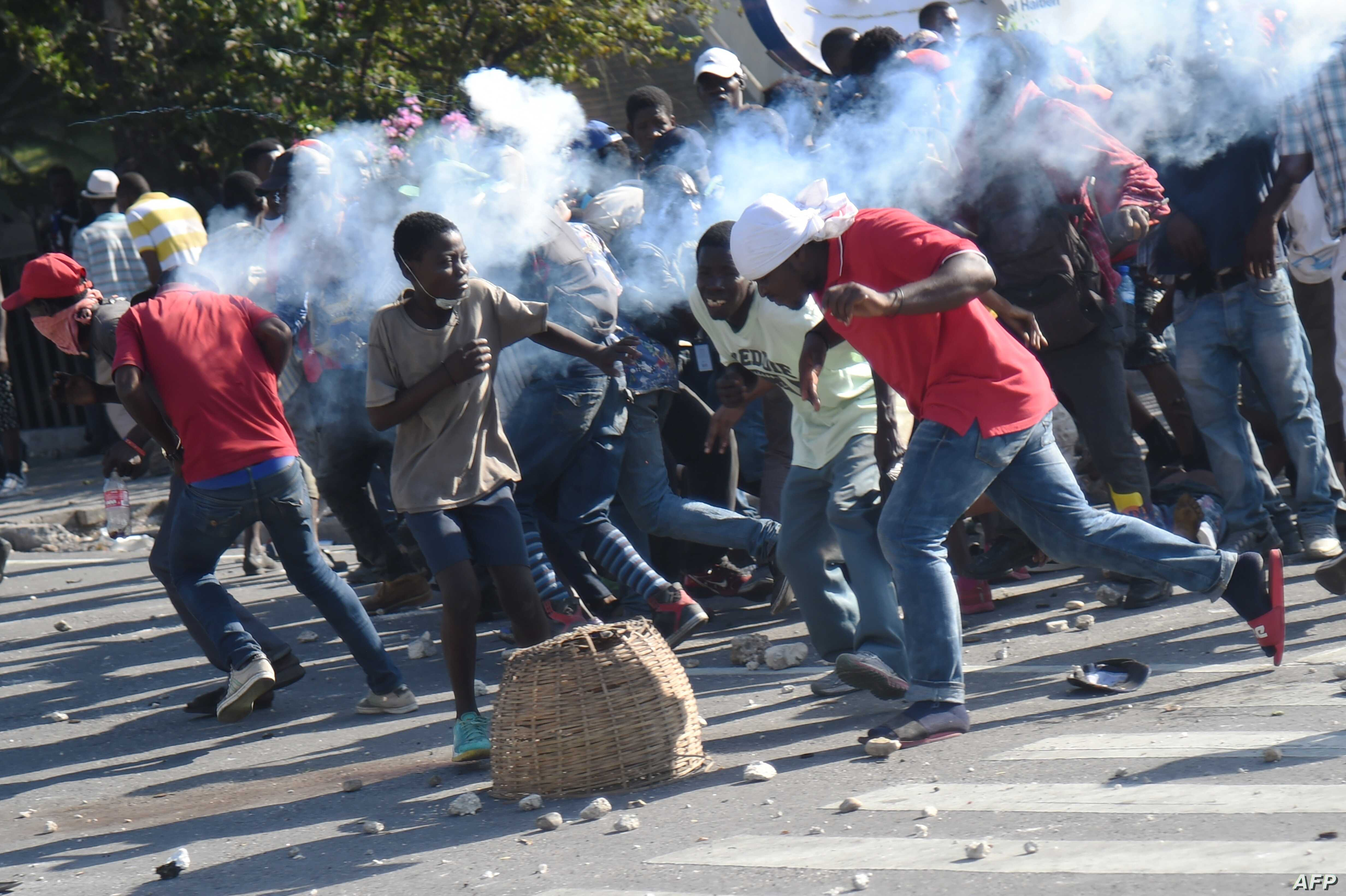 haiti protesters march to