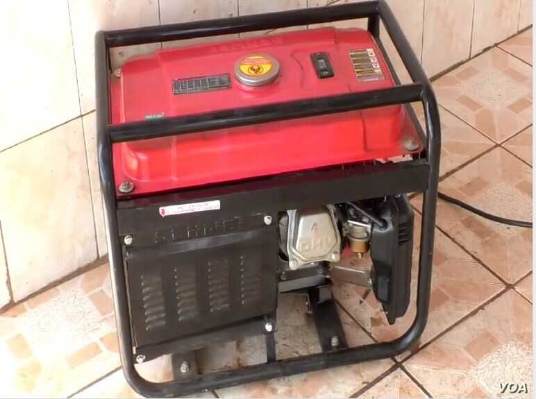 In Yaounde, Cameroon people are using generators to produce the power they need at home and businesses, Aug. 16, 2019. (Photo: Moki Kindzeka / VOA)