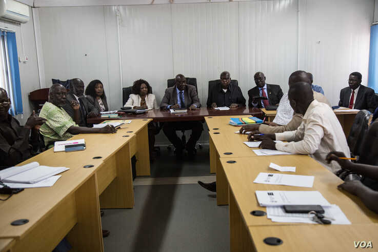 Members of the South Sudanese government's National Dialogue Committee meet to discuss how to implement peace-building policies, in Juba, South Sudan. (Chika Oduah/VOA)
