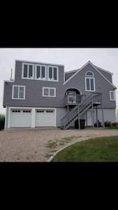 Misquamicut State Beach Vacation Rentals: house rentals