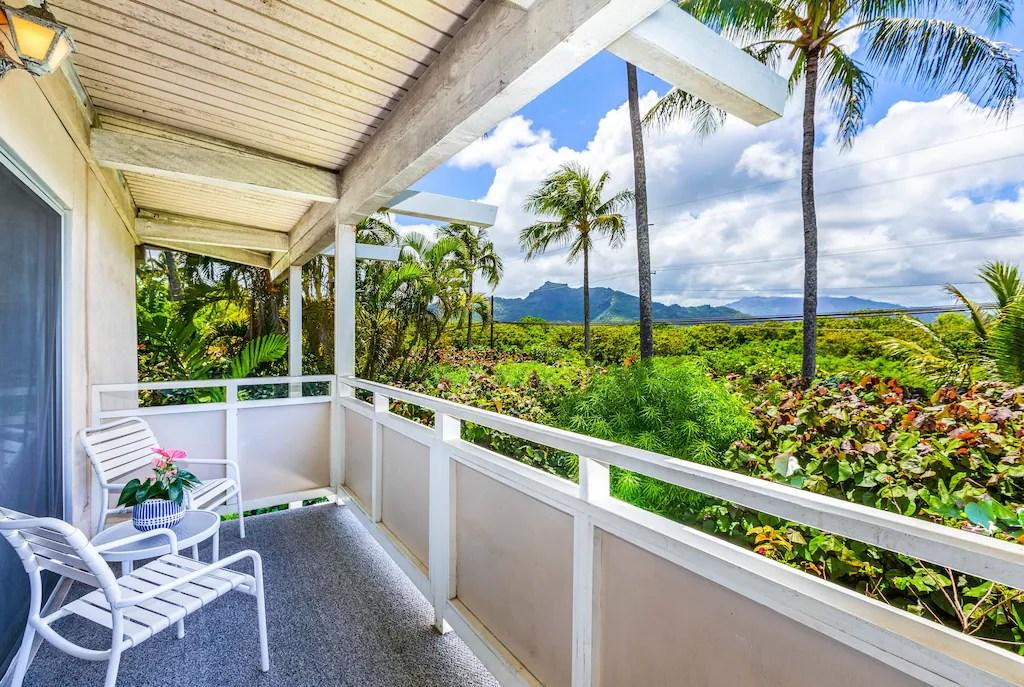 Enjoy the fresh Hawaiian sunshine