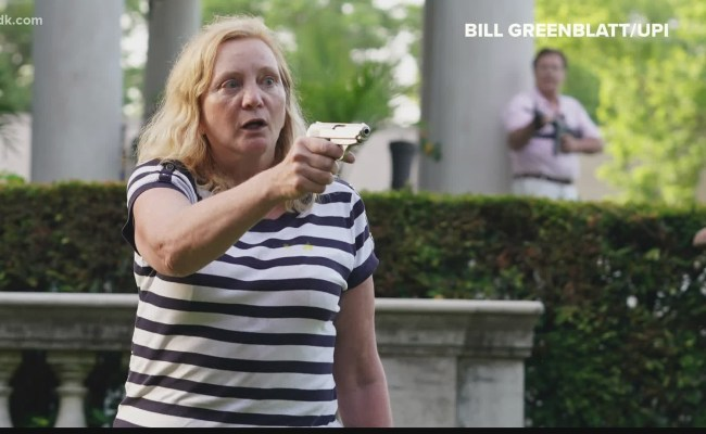 St Louis News Couple Seen Pointing Guns At Protesters In