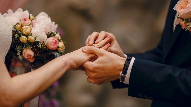 In Italia crescono le nozze con un coniuge straniero
