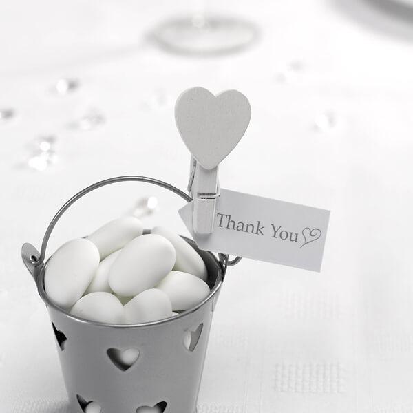 MiniKlammern mit weiem Herz fr die Hochzeitsdeko