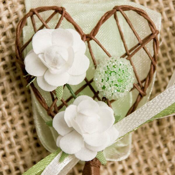 Hochzeitsanstecker Herz mit Blten champagngrn  weddixde