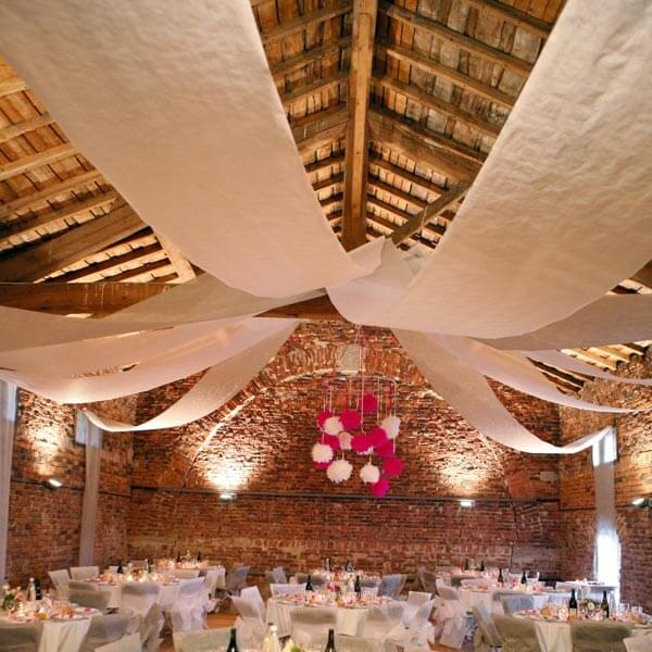Raumdeko Banner Vlies grn  zur Hochzeitsdeko  weddixde