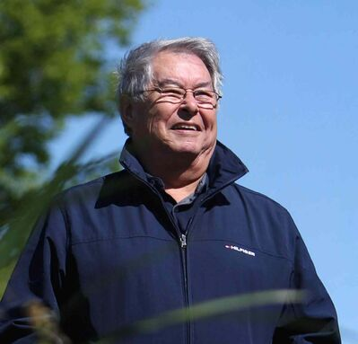 Bill Shead is one of a handful of people at ease bridging the Indigenous-non-Indigenous silos in Manitoba. (Ruth Bonneville / Winnipeg Free Press)