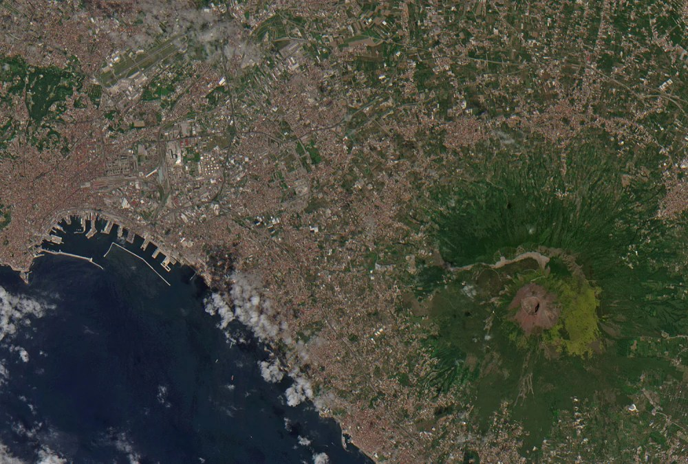 medium resolution of the world s most dangerous volcano may kill another city