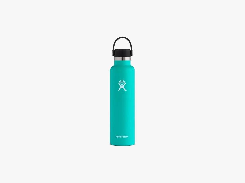 L'immagine può contenere bottiglia e bottiglia d'acqua