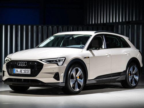 small resolution of how audi s new e tron stacks up to its electric competitors spec by spec