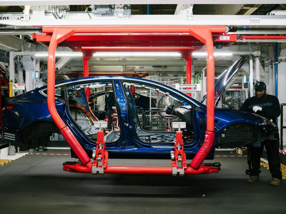 medium resolution of tesla made a lot of cars in q3 but it needs to make more