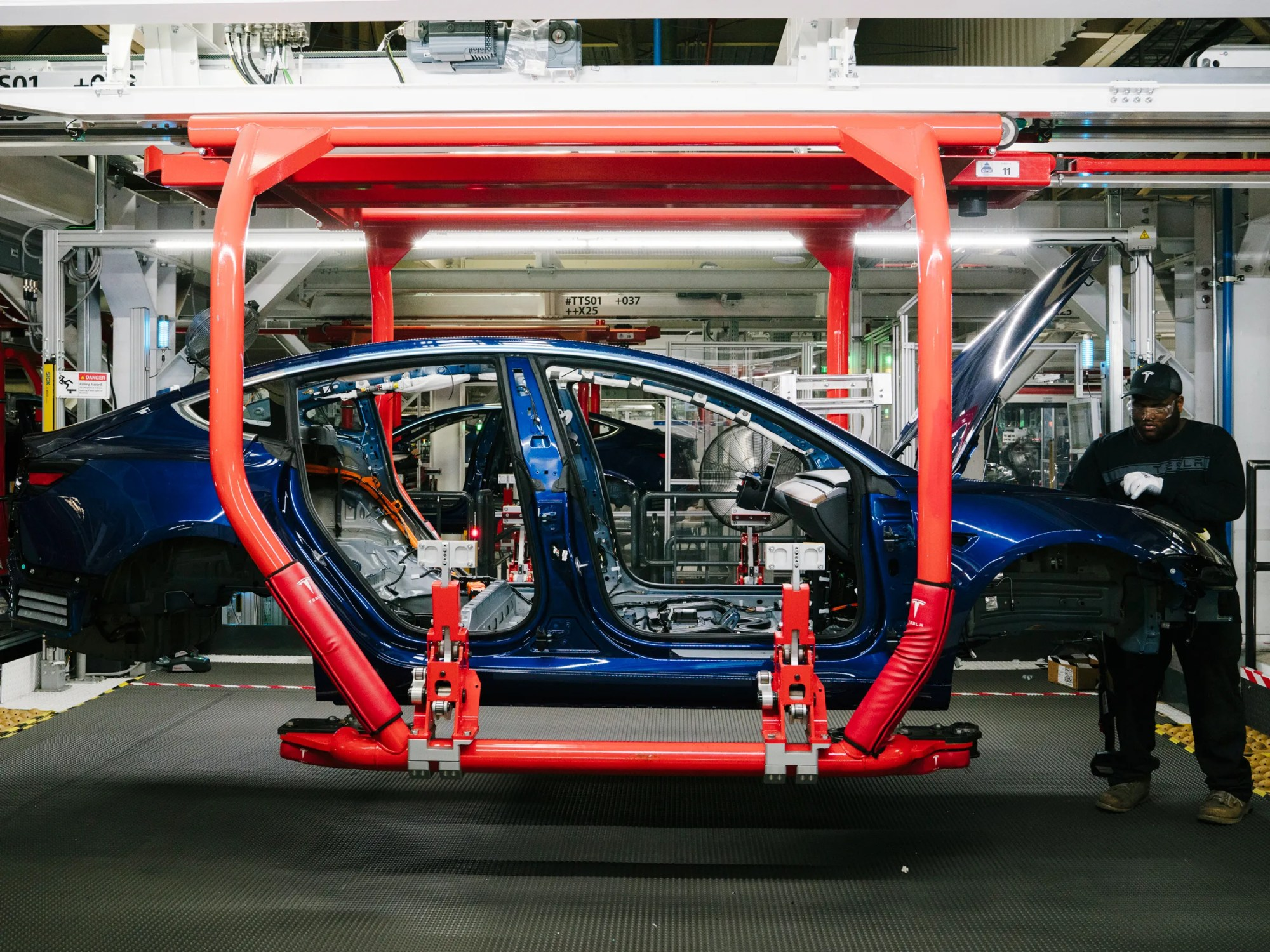 hight resolution of tesla made a lot of cars in q3 but it needs to make more