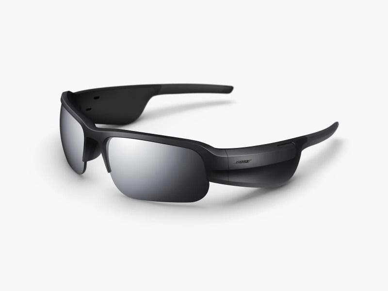 L'immagine può contenere Accessori e accessori per occhiali da sole