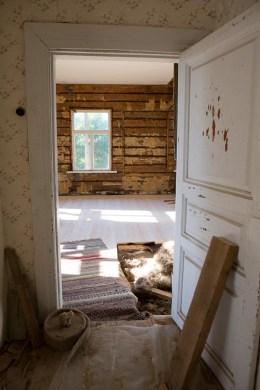 Golvet sett från gamla farstun.