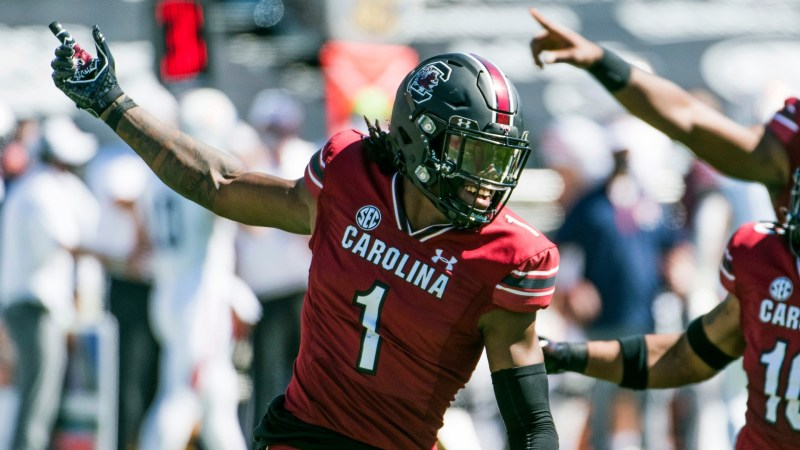 South Carolina's Jaycee Horn leaves early to prepare for NFL | wltx.com