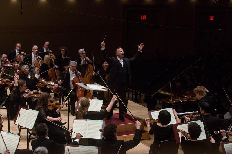 the philadelphia orchestra plays