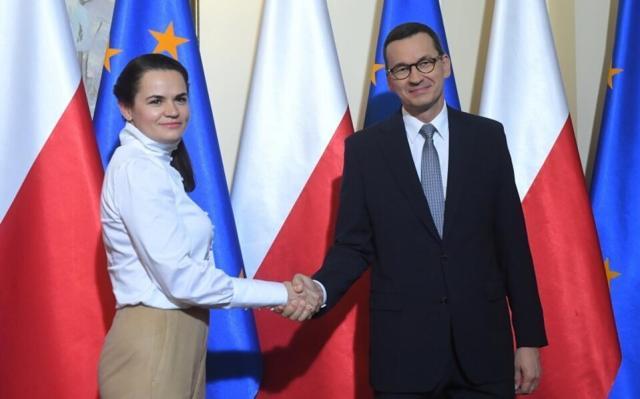 Premier Mateusz Morawiecki i liderka białoruskiej opozycji Swiatłana Cichanouska / autor: PAP/Radek Pietruszka