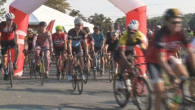 """Hundreds of bicyclists participate in the annual """"Lymphoma Research Ride"""""""