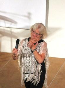 Britta Gustavsson konferencier med värme och humor.