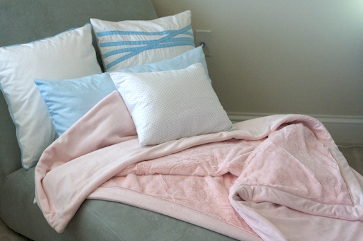 Luxury Plush Throw in Blush