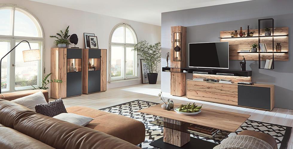 Natur pur  Holzmbel im Wohnzimmer XXXLutz