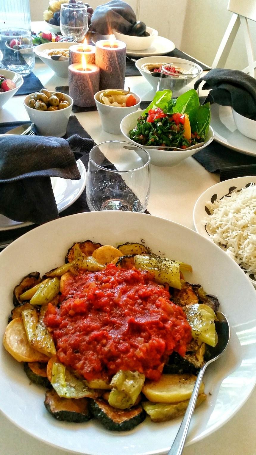 Stekta grönsaker med tomatsås.