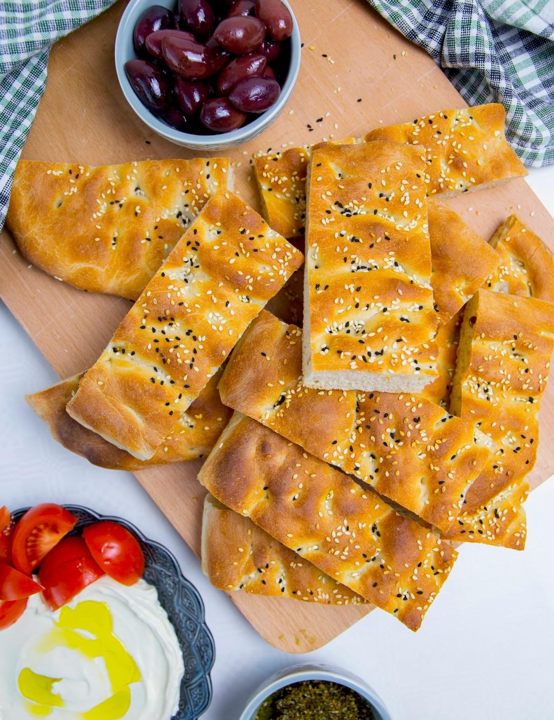 grekiskt bröd i långpanna