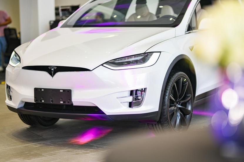 價格有驚喜!臺灣特斯拉 Model X 現貨車降價尋覓買主中 - Yahoo奇摩汽車機車
