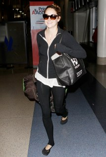 Shailene Woodley Barefoot