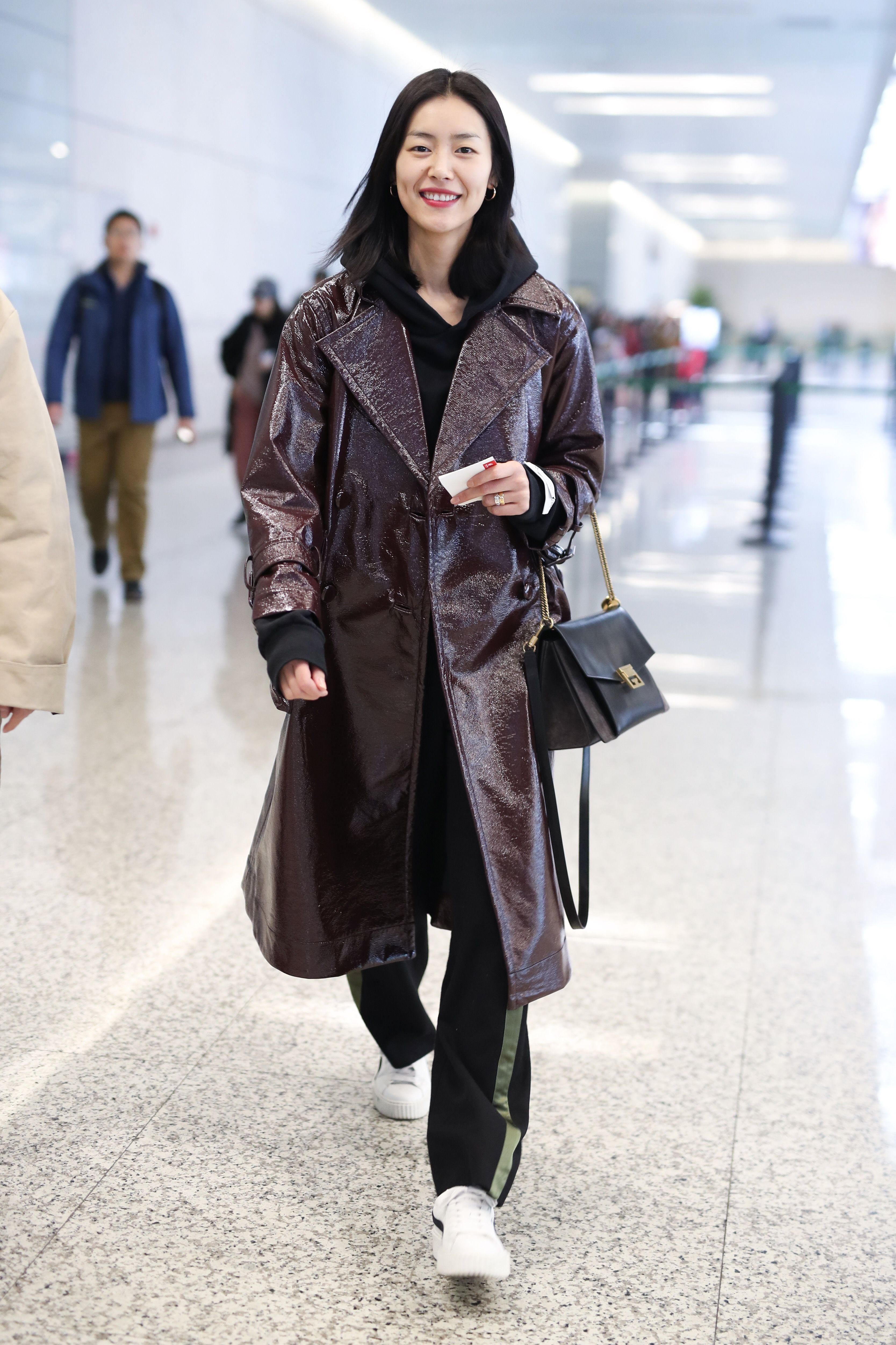 皮衣到底怎麼挑?從穿搭初心者到時髦高段班都適用的10位名人皮衣穿搭術 - Yahoo奇摩時尚美妝