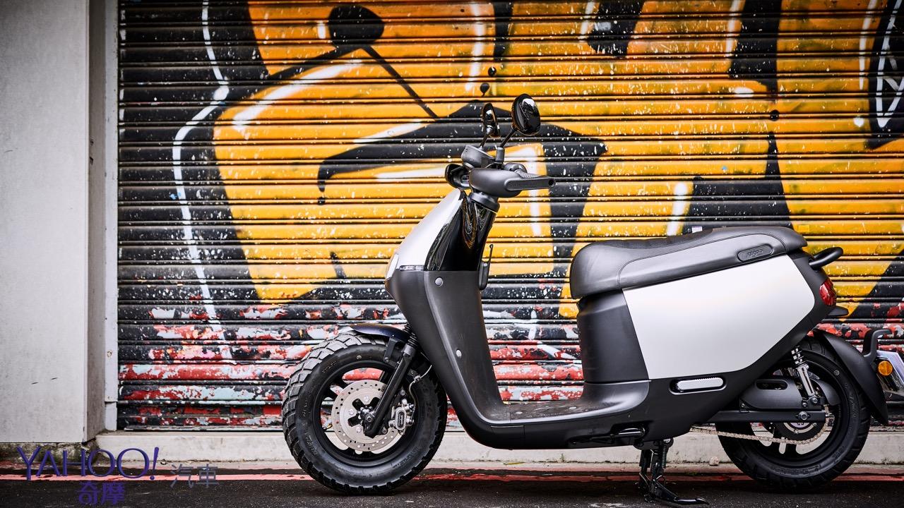 絕不只是換個輪胎那麼簡單!城市越野風Gogoro 2 Rumbler都會試駕體驗 - Yahoo奇摩汽車機車