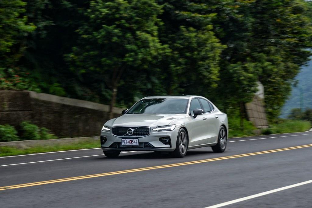 60系列第二部曲 Volvo S60 T5 R-Design 北歐豪華房車試駕 - Yahoo奇摩汽車機車