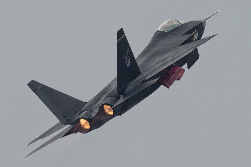 殲-31參加杜拜航空展 美媒稱「不見國際買家下單」 - Yahoo奇摩新聞