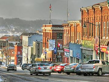 Construction on Penetanguishene's Main Street has been delayed until 2018 after only one bid was submitted to begin work this year.