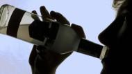 NRW: Offenbar Bremsenreiniger in Getränk eines Angestellten gemischt