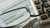 Bei der Angabe von Fondserträgen in der Steuererklärung sollten Anleger aufpassen.