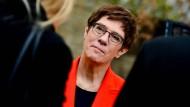 Verteidigungsministern Annegret Kramp-Karrenbauer am Sonntag im Kloster Anrode in Thüringen