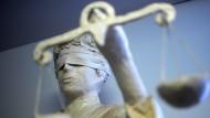 Steht für Gerechtigkeit: die Statue der Justitia