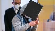 Der Angeklagte vor Gericht in Schweinfurt