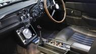 Spezifiziert von der Filmfigur Q: ein Aston Martin DB5 1965, der in einem James Bond Film zum Einsatz kam.