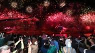 Glückliches, feierndes Australien: In Tokio beginnen am Freitag Steril-Spiele, in Brisbane geht die Post ab.