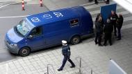 Eine erste Spur zu Thomas Drach: Der Überfall auf den Geldtransporter im März 2019 am Flughafen Köln/Bonn war von einem Augenzeugen gefilmt worden.