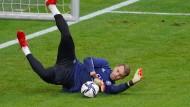 Manuel Neuer beim gestrigen Abschlusstraining noch in Aktion – gegen Rumänien fällt der Schlussmann aber aus.
