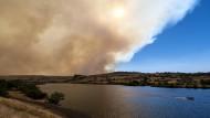 Extremhitze und schwere Feuer sind eine Folge des Klimawandels: am Snake River bei Clarkston in den USA