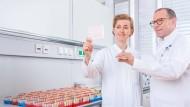 Prof. Dr. Sarah Schott und Prof. Dr. Christof Sohn hatten die Krankenhaus-Führung auf fehlende Vergleichsstudien hingewiesen.